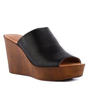 SEYCHELLES | NWOT Leather Platform Wedge Mules 9